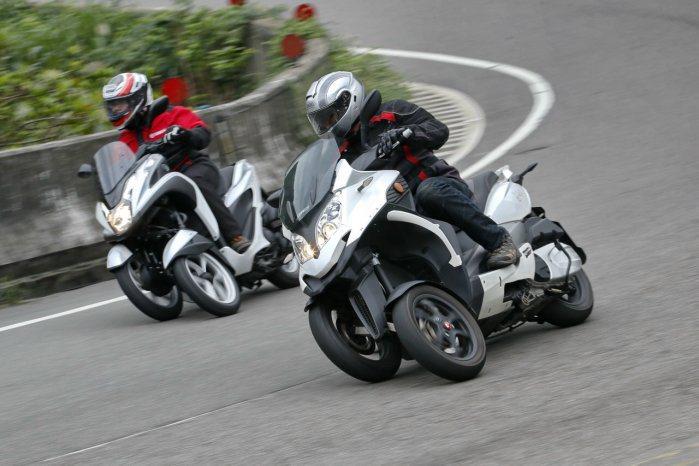 目前國內發表的3輪車款為「前2後1」型,前懸吊分為「可傾倒多連桿」與「可傾倒油壓...