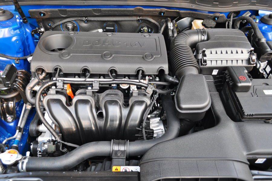 Optima搭載2359cc的輸出引擎,提供最大馬力172ps/6000rpm與最大扭力22.9kg-m/4000rpm。 記者許信文/攝影