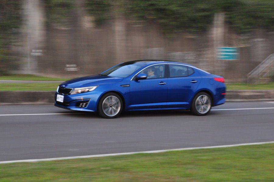 2.4升引擎提供最大馬力172匹,相比同級中不甚優異,但屬輕盈的行駛反應應可獲多數車主好評。 記者許信文/攝影