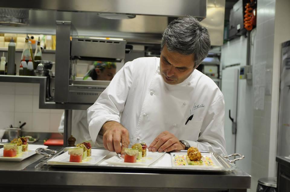 全球正興起一股綠色飲食風潮,因為吃素,義大利的素食米其林教父Pietro Leemann,顛覆傳統的素食,以細緻的料理手法加上不過度烹調,再透過他精心的擺盤呈現,讓素食變成一種極度愉悅的享受。 Pietro Leemann臉書