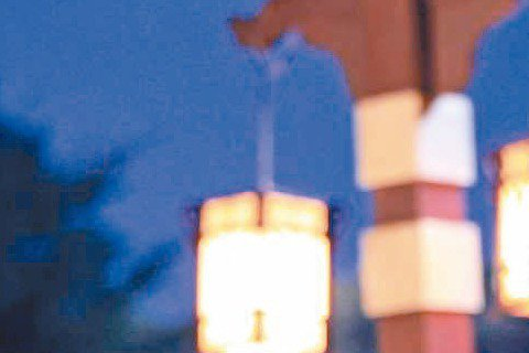 張鈞甯因「武媚娘傳奇」演出大反派「徐慧」演技大躍進,戲中不但一秒變臉,與范冰冰飾演的「武媚娘」,從無話不談的好姐妹一夕反目成仇,尤其一場姐妹撕破臉戲,張鈞甯甚至掐住范冰冰脖子「來真的」,2人精彩飆戲...