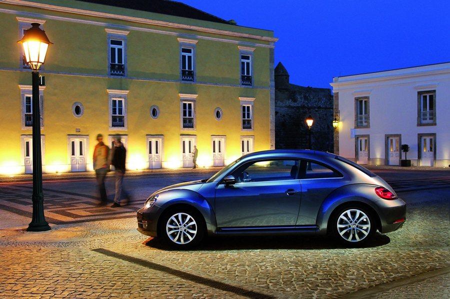 Beetle 1.2 TSI Desig和1.4 TSI提供優惠2選1,可選超低頭款和首年低月付與且加贈首年乙式車險。或選60萬30期零利率。 VW提供