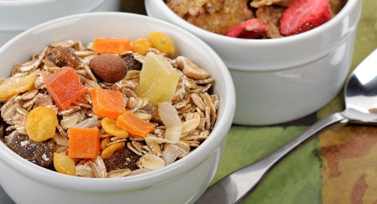 日常生活中很多天然食物都屬於高磷食材,例如全穀類、內臟類、核果類、豆類、奶製品、...