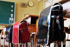【小玉物語】背起未來使命與家人期待的「日式書包」