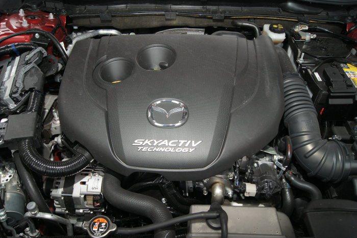 2.2升Skyactiv-D柴油引擎,可爆發175hp/4500rpm及42.8kgm/2000rpm最大動力。 記者林翊民/攝影