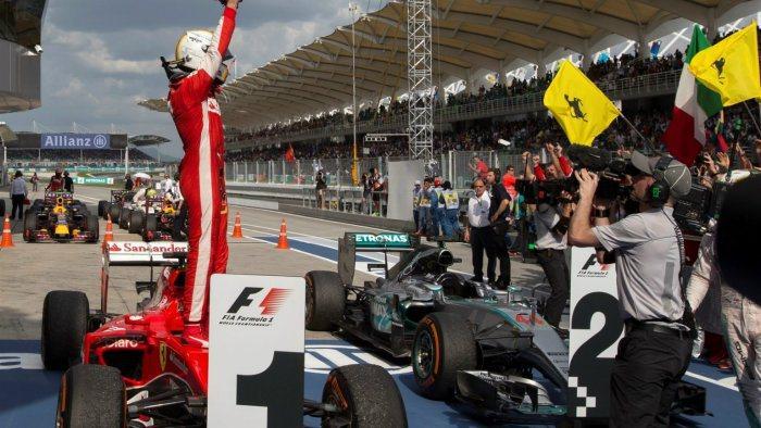 法拉利賽車延續季前測試的強勢表現,加上幸運之神本站靠攏Sebestian Vet...