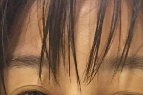 凍齡女神李維維(39歲)大方展示素顏面貌,而且還是剛洗完澡的模樣喔!她昨天晚是上在臉書寫道:「洗完澡紅通通~晚尢大家~」,還附註說「最近收到很多詢問保養及化妝的留言~我整理一下之後再po文喔~」網友...