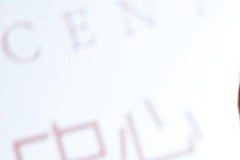 韓星李敏鎬身為亞洲男神,所到之處無不引起粉絲追逐,他18日前往廈門拍攝廣告,上千粉絲聞風而至,將現場擠得水洩不通,一度造成交通癱瘓,引發民眾抱怨,最後警方出動,要求劇組停止拍攝。