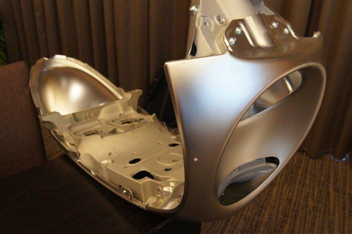 gogoro不惜成本,全車大量採用鋁合金材質打造輕量化車體。 記者林翊民/攝影