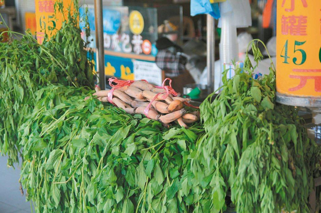 很多天然食材聲稱有抗癌功效,卻是網路謠言。 記者鄭宏斌/攝影