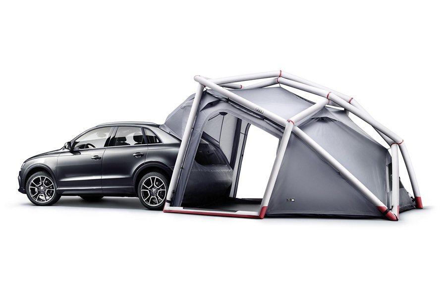 Audi露營帳篷可與Audi Q3 / Q5 / Q7結合使用,只要使用專用連接裝置將帳篷與車子連接,即可延展活動空間。
