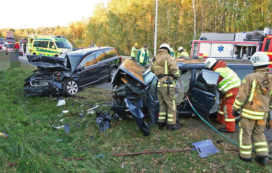 Volvo自1970年,就成立車輛事故研究團隊,在瑞典與地方政府和官方合作,從Volvo車子的車禍案例中搜集相關資訊,以開發出更安全的原型車。 Volvo提供