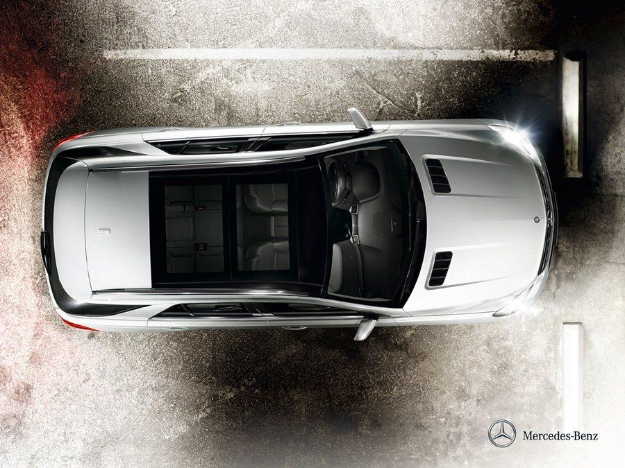 M-Class有搭載2.2升柴油雙渦輪增壓引擎的ML 250 BlueTEC 4MATIC,也有同樣結合BlueTEC技術的ML 350 BlueTEC 4MATIC車型。頂級汽油車款ML 400 4MATIC則以較過往排氣量更小的2996c.c. V型六缸汽油引擎,有333hp最大馬力表現。 Mercedes Benz提供