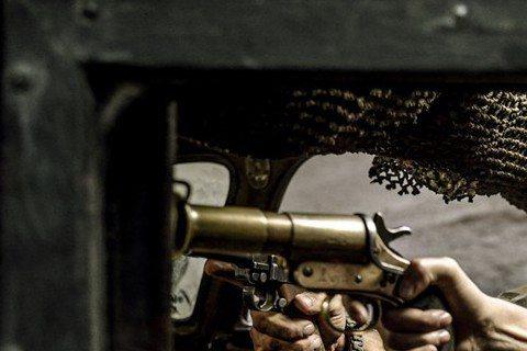 看過「瘋狂麥斯:憤怒道」(Mad Max: Fury Road)預告片的觀眾一定覺得這樣一部黃沙漫天、充滿野蠻廝殺和爆炸的瘋狂電影應該不適合女性。但好在影片塑造了一個極具女權主義的角色、女指揮官Fu...