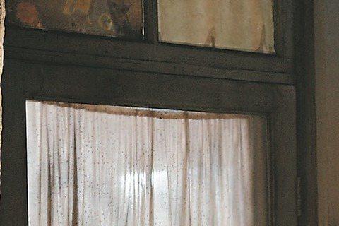 上個月16日第五屆北京國際電影節電影大師盧貝松當晚攜新作「勇士之門」劇組趙又廷、倪妮等主角壓軸亮相紅毯時,更是成為全場焦點。據悉,「勇士之門」將於5月正式開機拍攝,是一部蘊含著冒險、格鬥、中國風情等...