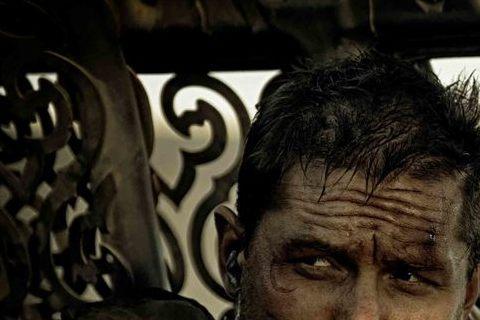影星湯姆哈迪因演出「黑暗騎士:黎明昇起」中的大反派走紅,最近又在喬治米勒電影「瘋狂麥斯:憤怒道」裡扮演自我放逐的男人受到矚目。雖然湯姆哈迪的銀幕性感硬漢形象深植影迷心中,但他卻說,他以前只是個倫敦中...