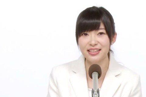年年來一回的「AKB48總選舉」將於下個月6日登場,AKB48姊妹團HKT48中的話題成員指原莉乃為奪下冠軍,開支票稱拿下冠軍,就穿泳裝扮演唱會。她自謙雖然胸部不大,但會穿泳裝載歌載舞表演給大家看,...