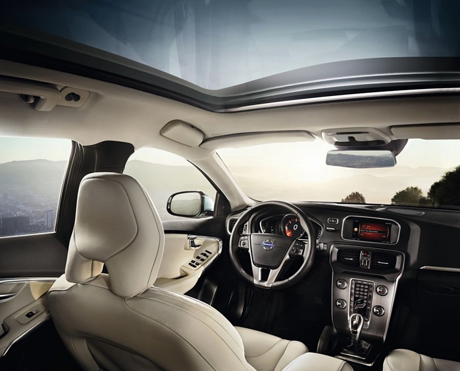 V40_D4_R-Design同時配備全方位的安全科技並擁有多項舒適性配備。 V...