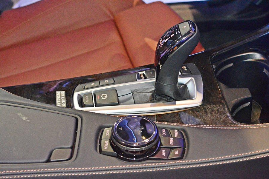 全車系也首度標配陶瓷旋鈕。 記者趙惠群/攝影