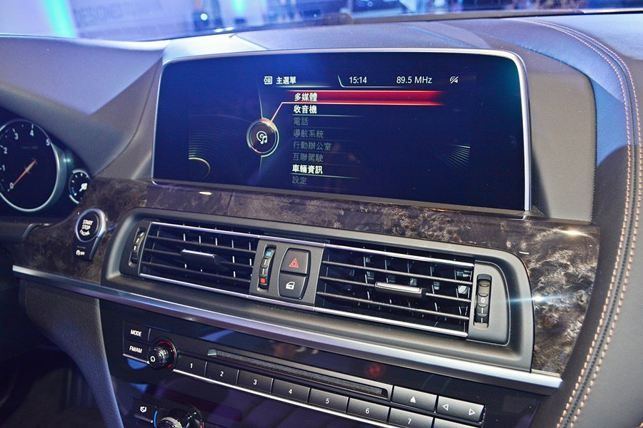 ConnectedDrive互聯駕駛系統也了升級,將原廠繁體中文導航列為列為全車...