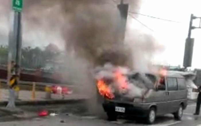 近日不論雙人敞篷跑車、四門轎車或卡車,都成了火燒車的新聞主角,車子有那麼谷易上火...