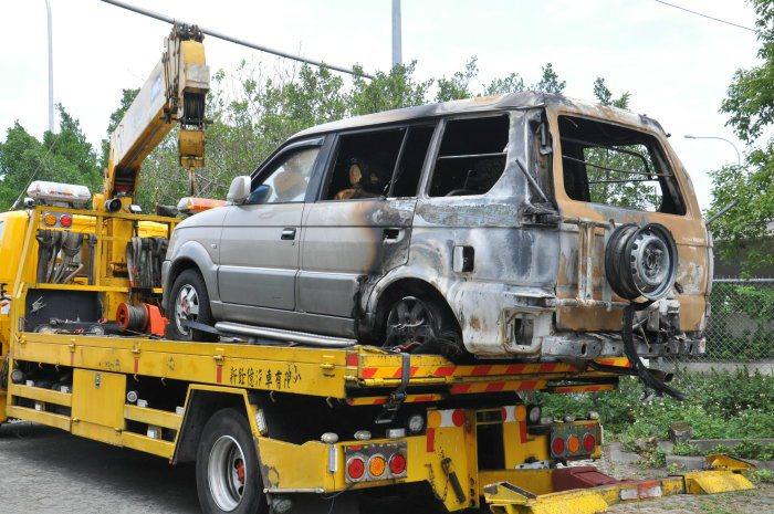 除了機油與燃油外洩有可能出現火燒車情況外,擅自改裝電器用品也有可能產生電線短路,...
