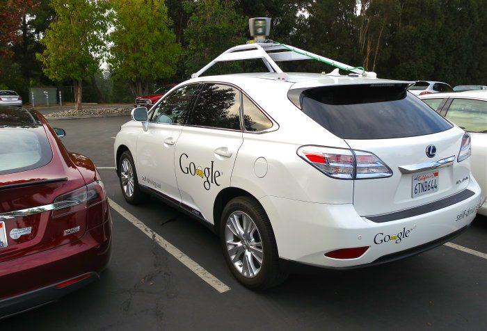 Lexus RX450h搭載Google研發的駕駛程式,以無人駕駛方式完成70萬...