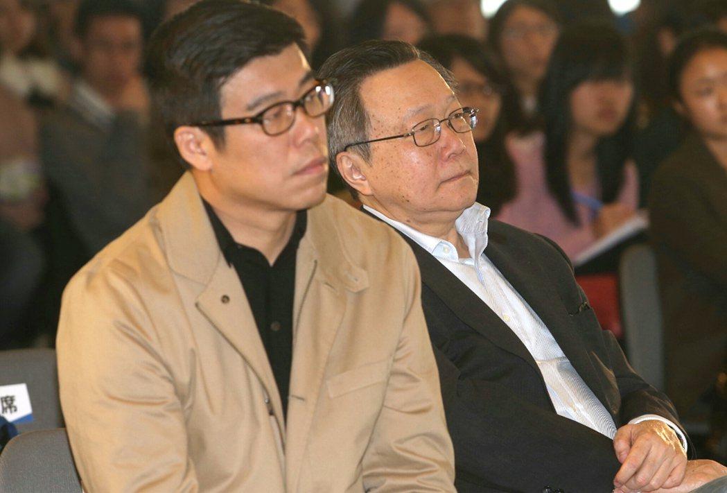 聯合報系願景工作室執行長胡立台(右),講者嚴心鏞。 記者林俊良/攝影