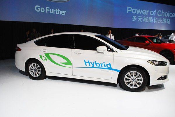 Mondeo Hybrid也結合空氣力學設計與車輛設計,車身部件做了空氣動力效率...