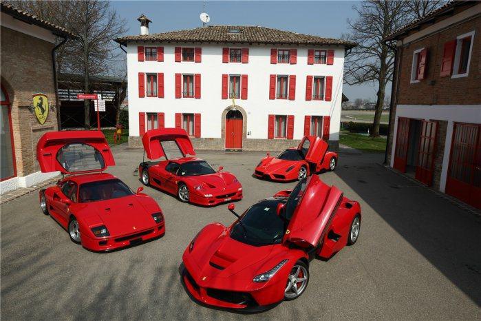 四大標竿車款F40、F50、Enzo和LaFerrari齊聚費奧拉諾,讓車迷相當...