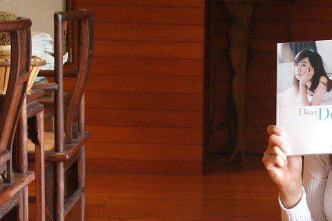 人氣正妹Dewi簡廷芮愛吃,自招屬於易胖也易瘦的體質,不過她笑稱年輕時易瘦,現在就不太行了。(現在也很年輕好嘛!)她自豪的說雖然愛吃,但是認真起來減肥也是很厲害的,最厲害的就是她可以只聞食物香卻不讓...