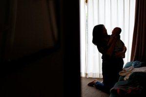 都是母親的錯?——台灣社會「教訓媽媽」的共犯結構