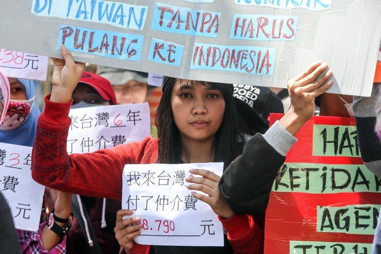 讓外勞自由吧,讓外勞自由選擇工作,自由選擇僱主,自由選擇是否要留在台灣,如此外勞才能真正變成「移工」,外勞被束縛太久了,是時候該改變了。  攝影/記者程宜華