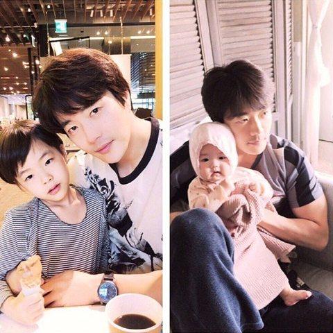 韓國已婚型男代表之一的權相佑最近分享了與兒女的照片,網友大讚夫妻倆的好基因讓一雙兒女都萌萌的,特別是4個月大的女兒Riho,那肉肉的雙頰實在有夠Q!