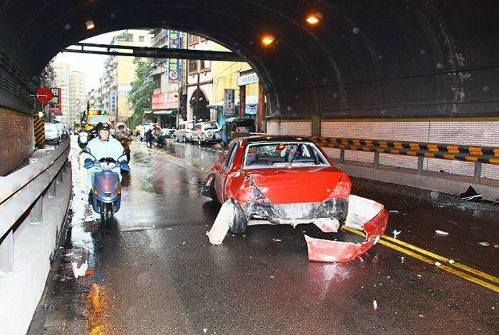 在道路上行車,影響行車安全的隱形殺手無時無刻皆存在你身邊,而輪胎是車輛唯一與地面...