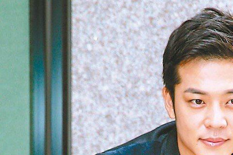 過去是偶像劇高富帥代表的姚元浩,最近接下台視、TVBS新戲「哇!陳怡君」一改戲路,演位默默愛女主角卻不敢表達的暖男。他昨受訪時笑稱:「這角色就是『處男』,一度還被女主角誤認性向有問題,但自己演來頗能...