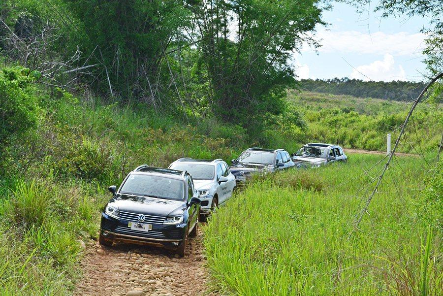 我們曾在一般公路深度體驗駕乘2015年式小改款Touareg,在地「望高寮」的越野場地,校閱Touareg的越野運動實力。 記者趙惠群/攝影