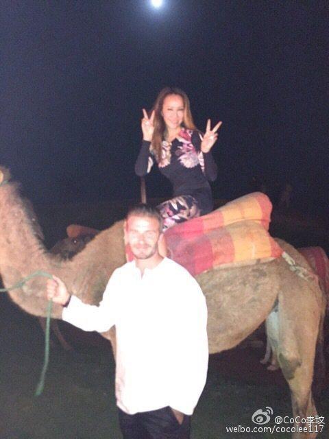 李玟大讚貝克漢是愛家好男人,還透露他既可愛又搞笑。李玟夫妻最近受邀到摩洛哥馬拉喀參加貝克漢的40歲生日趴,當天還騎上駱駝,不過重點是牽著駱駝的人居然是壽星貝克漢本人!李玟在微博分享當日照片,並寫道:...