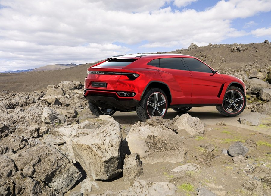 Lamborghini Urus的諸多技術數據仍是個謎,車界預測這台車將擷取集團內AUDI休旅車的資源,包括動力和底盤。 Lamborghini提供