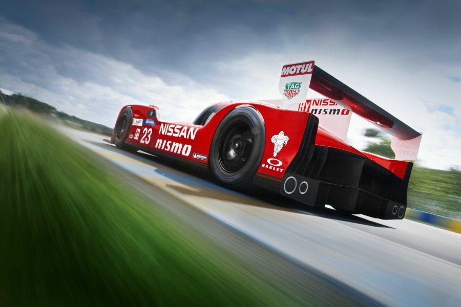 車體方面,GT-R LM Nismo全車採用碳纖維材質打造,車重僅有870公斤。...