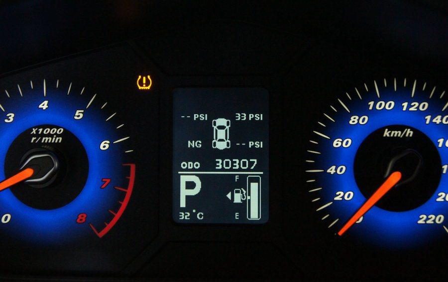 國內已於2014年11月強制規定上市新車必須加裝TPMS胎壓偵測器。 記者林翊民...