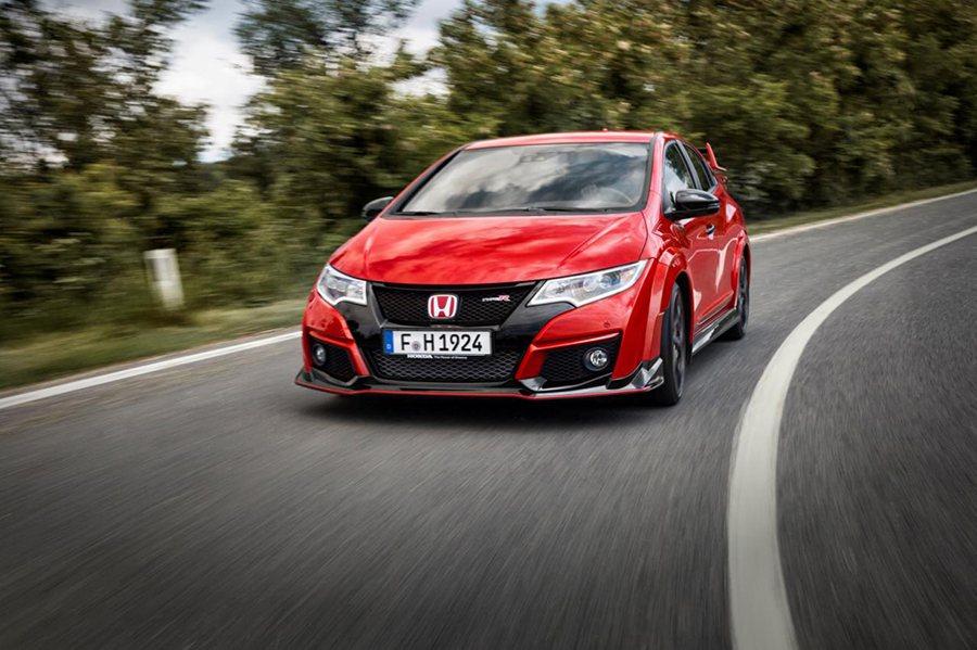 Civic Type R首度搭載 Turbo渦輪增壓引擎系統,讓動力輸出能大幅超...