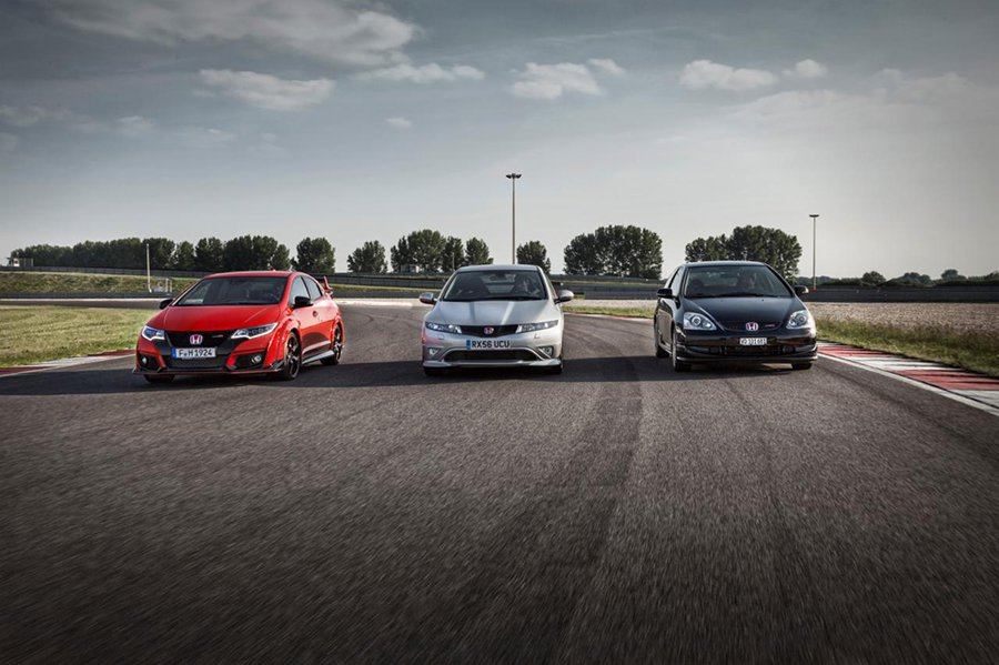 三個世代的 Honda Civic Type R性能鋼砲一同在賽道上奔馳,哪一代...
