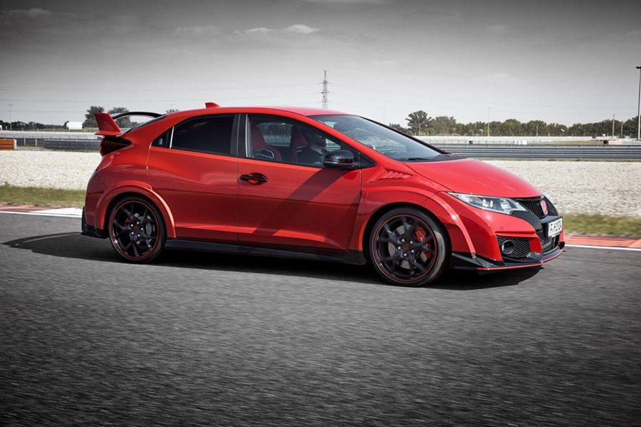 爆龜式葉子板空力套件,突顯出更兇猛的肌肉線條設計。 Honda