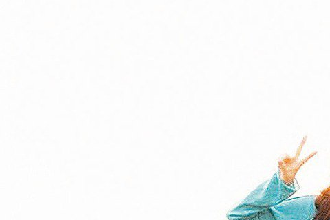 馮小剛和韓國導演姜帝圭聯合監製的「壞蛋必須死」由陳柏霖與孫藝珍合作,令影迷充滿期待,該片4日在濟州島殺青,據說「大仁哥」在片中不僅說韓語,還有像野蠻老師般不同文青形象的演出。「壞蛋必須死」卡司還有喬...