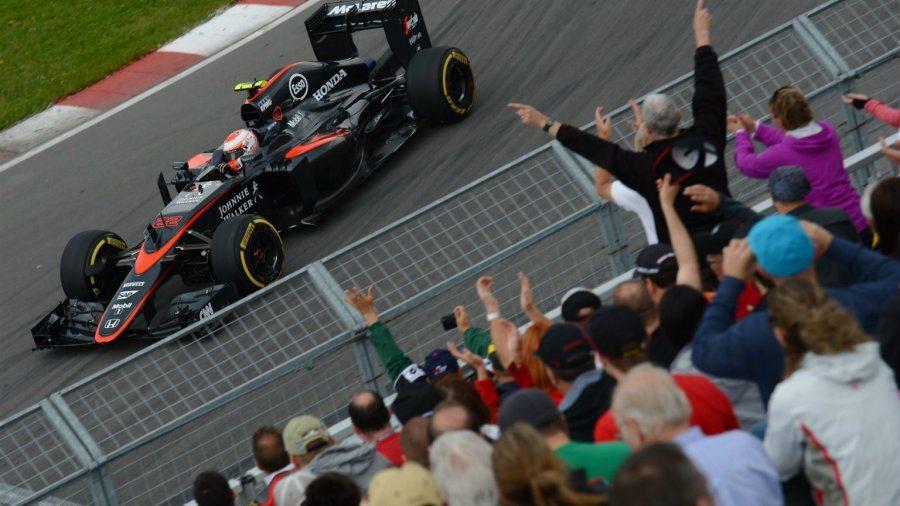 採用Honda引擎的邁凱輪賽車此役雙雙退賽,Alonso曾在比賽前段與Vette...