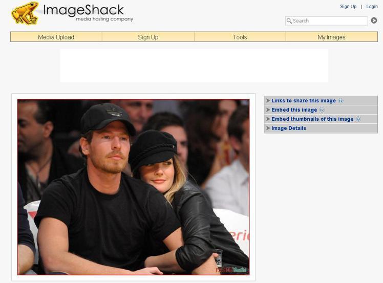 茱兒芭莉摩與新男友威爾柯柏曼一同觀賞NBA球賽。圖/擷取自ImageShock