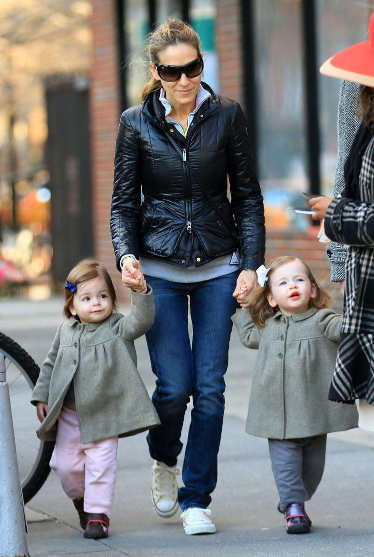莎拉潔西卡派克透過代理孕母而有一對雙胞胎女兒。圖/達志影像