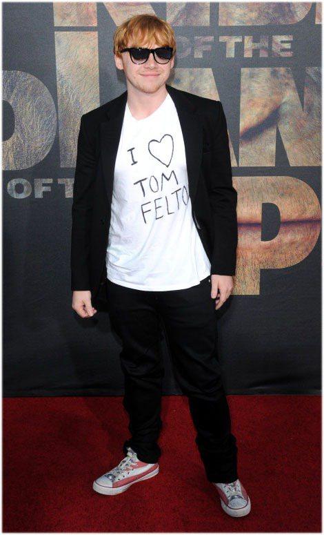 魯伯葛林特穿著印有「我愛湯姆費爾頓!」的T恤。圖/達志影像
