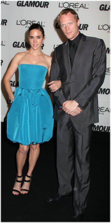 珍妮佛康納莉難得穿亮色系服裝。圖/達志影像提供